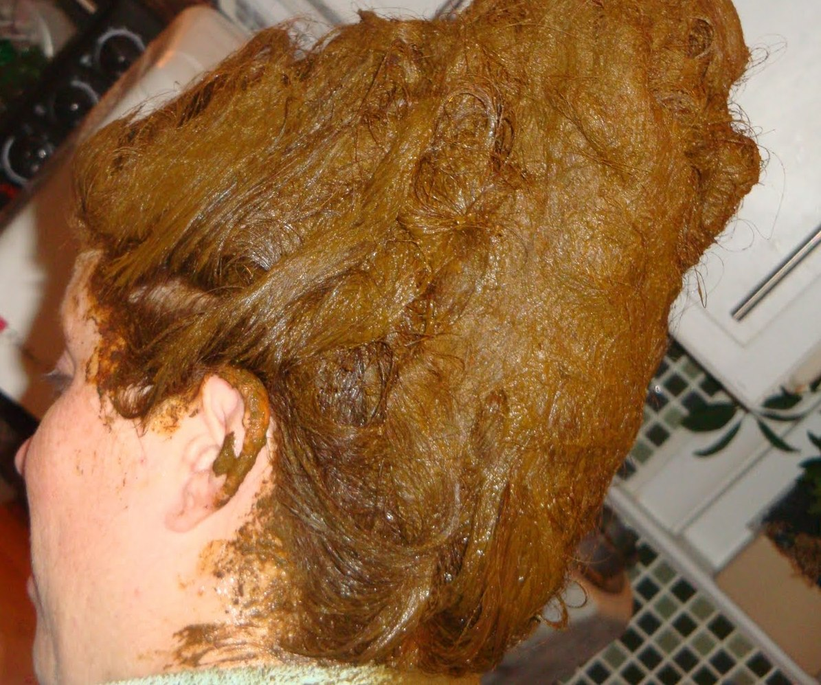 How to mix henna hair dye