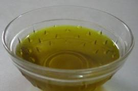 Sesame-OIl-for-Dry-Scalp-Treatment